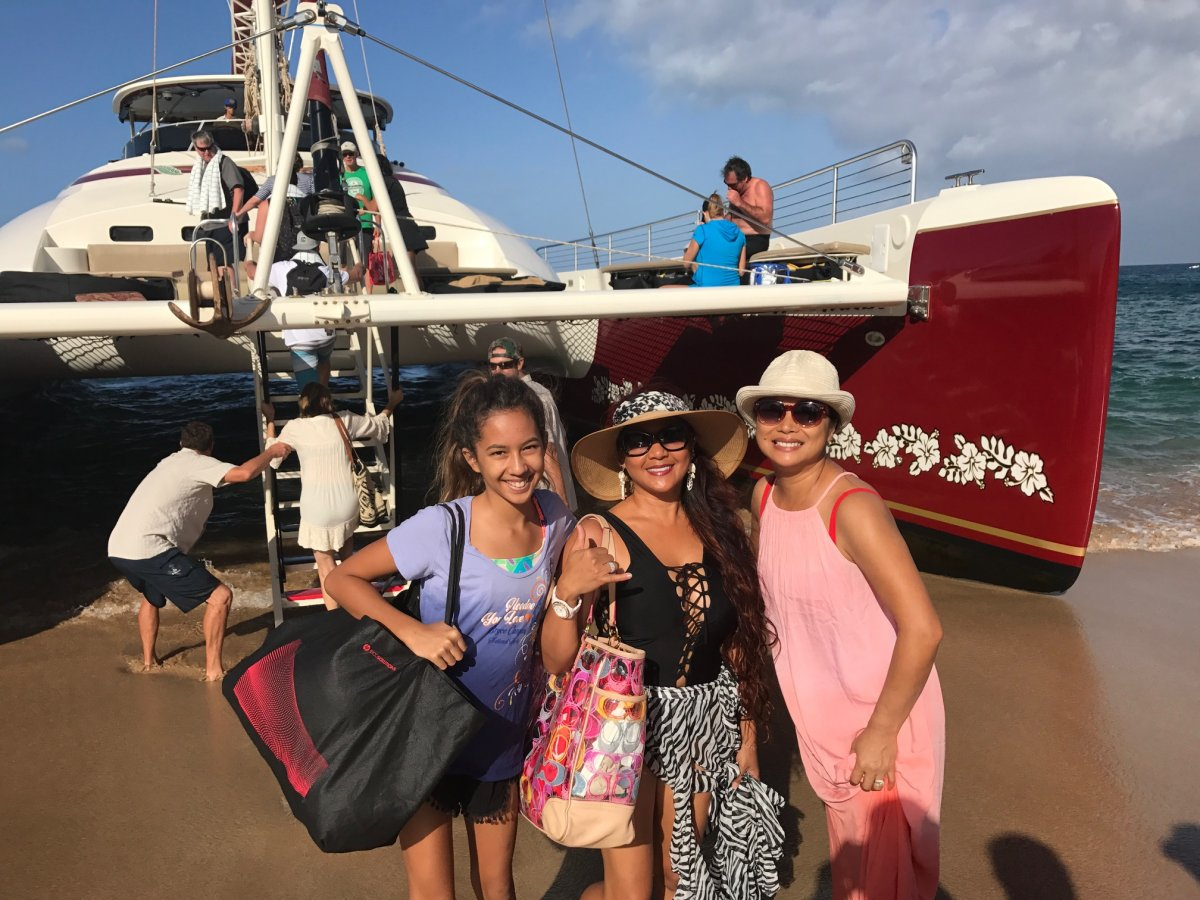 Hula Girl Snorkeling Tour with Exotic Estates