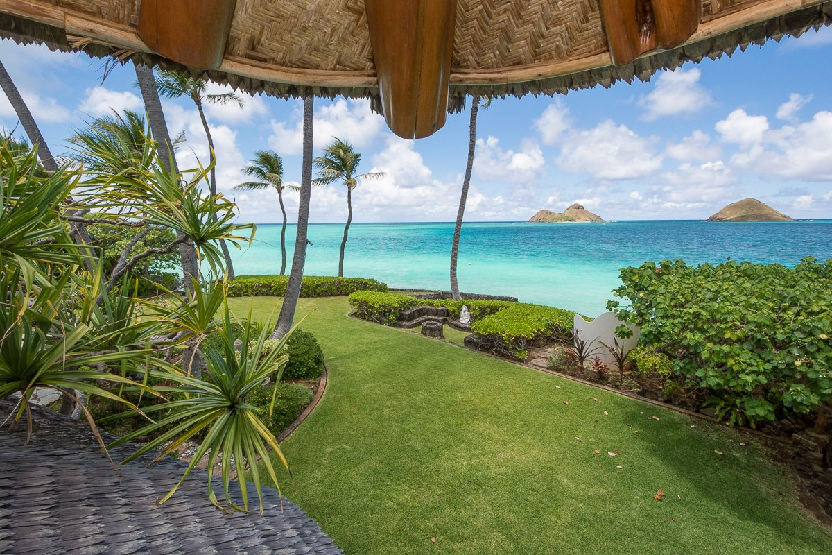 Exotic Estate Oahu Vacation Rentals the Mokes view