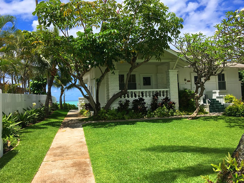 Exotic Estates Oahu Villa - Lanikai Historic Walker Oceanfront Front