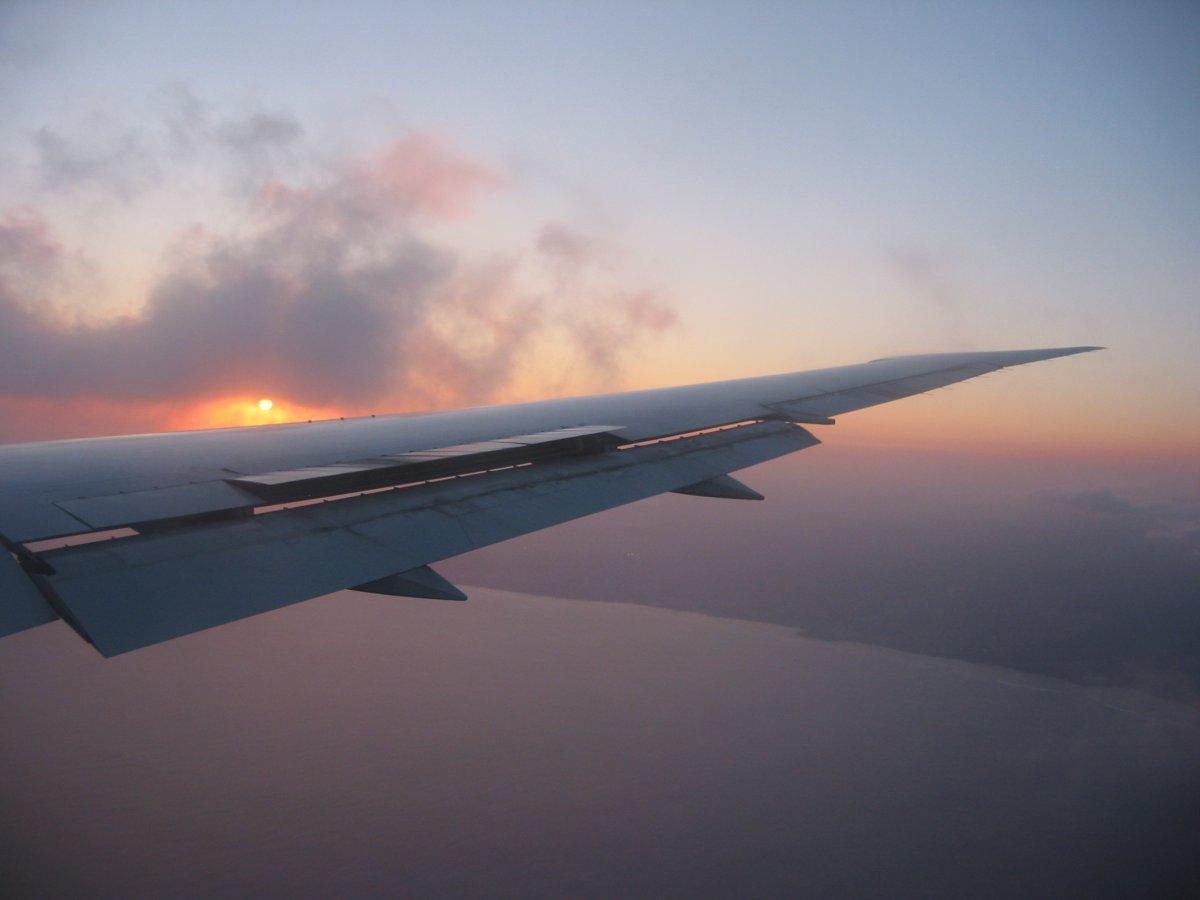 Flying to Hawaii - John Di Rienzo
