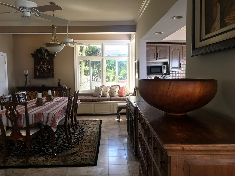 Maui Vacation Rentals - Lahaina Oceanfront Estate Dining Room