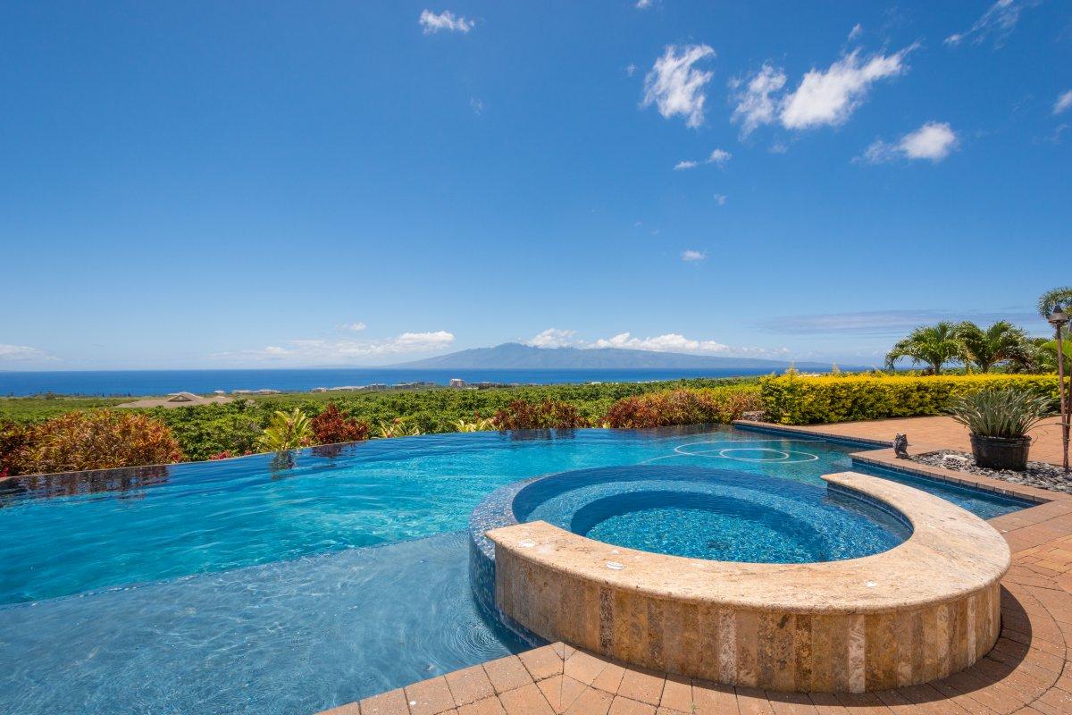 Finding the perfect Hawaiian villa summer 2018