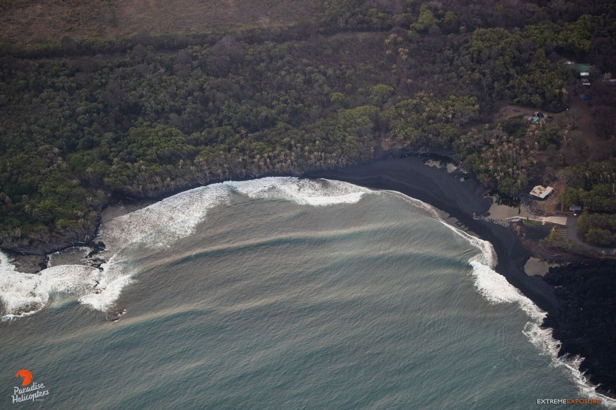 New Black Sand Beach - Photo Paradise Helicopters