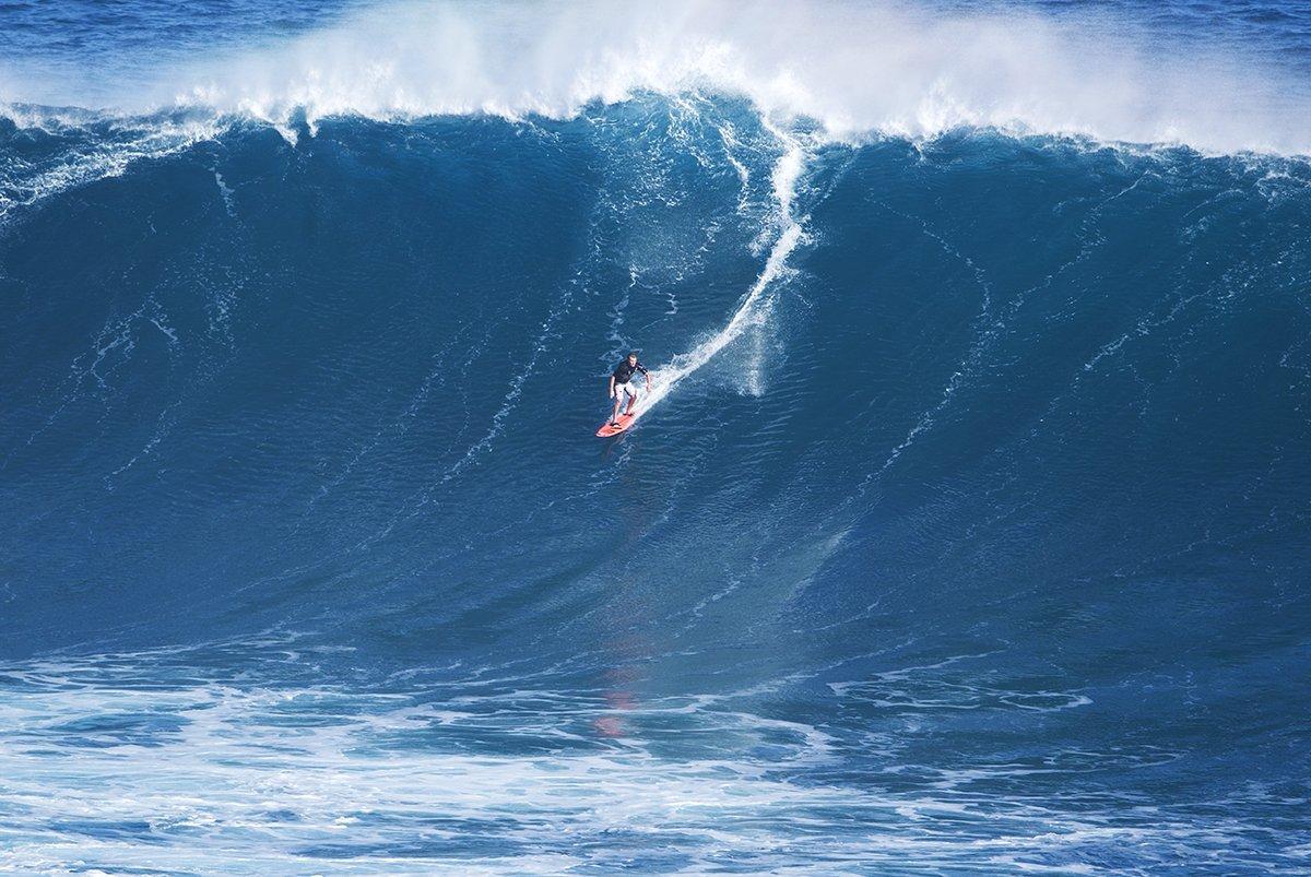 Peahi Jaws Surf Maui