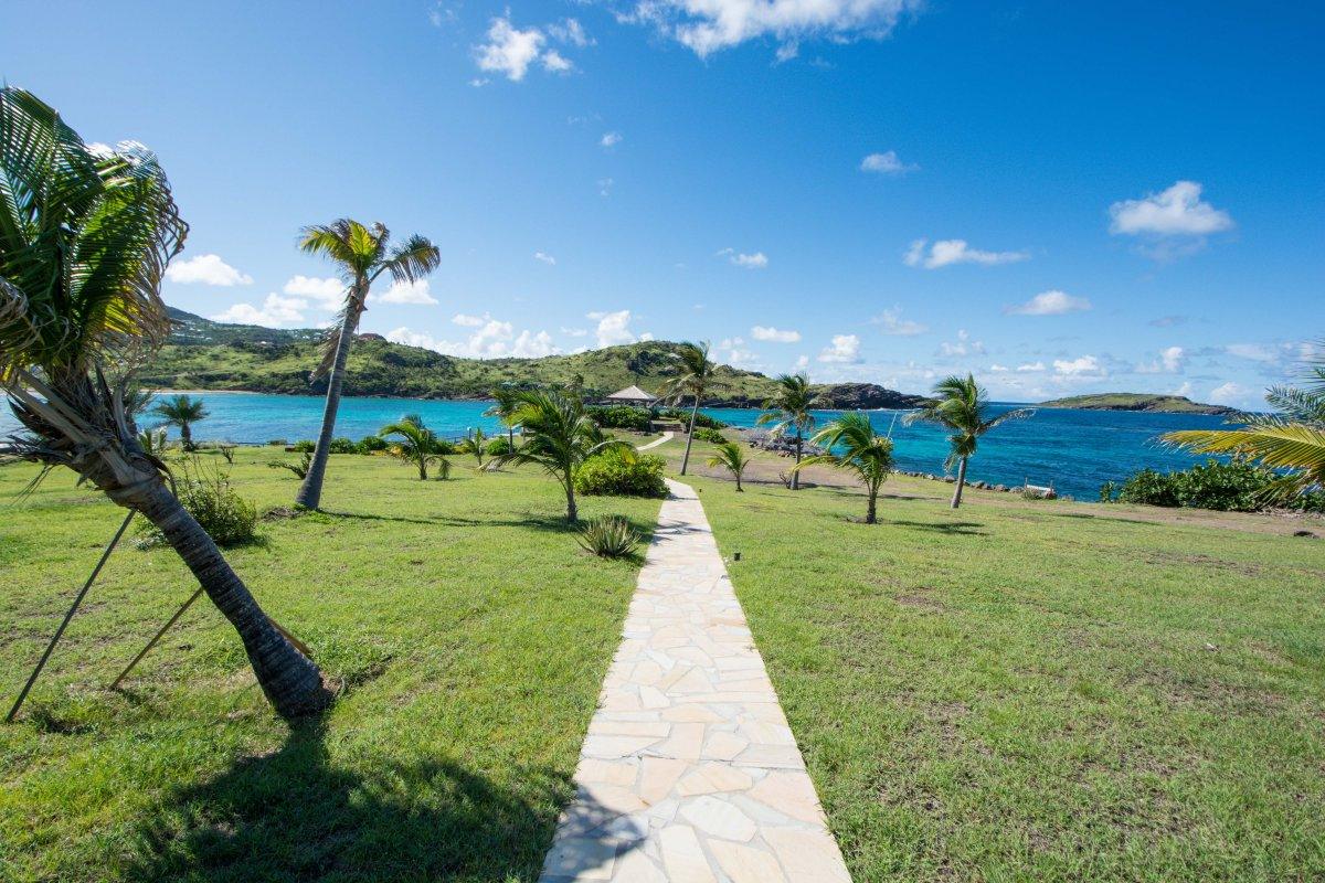 Exotic Estates St. Barths - by Shanon Searls