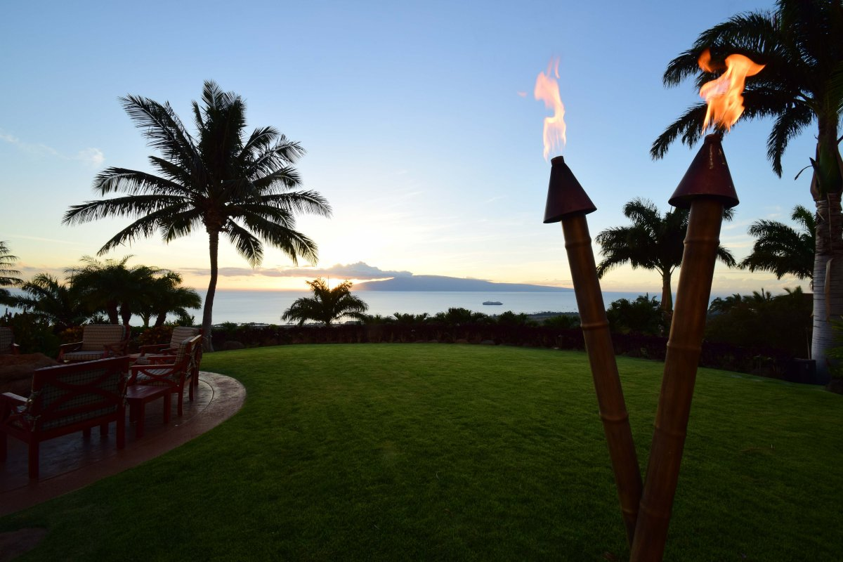 Tiki Torches Hawaii Vacation Rental