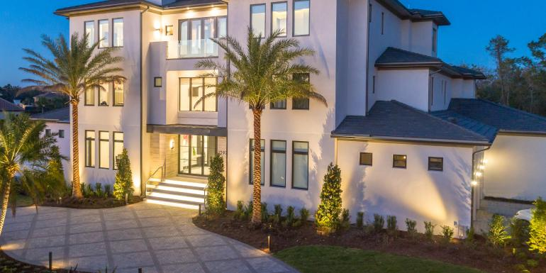 Miraculous Orlando Villas Luxury Beach Homes For Rent Home Interior And Landscaping Palasignezvosmurscom